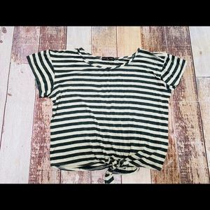Kim & Cami tie front striped t-shirt size L
